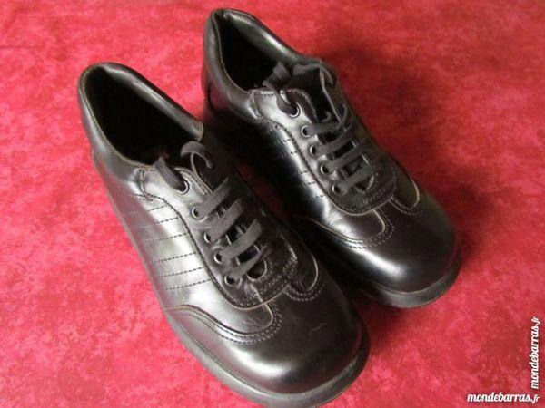 Chaussures noires en cuir homme Calderoni P 39 40 Saint-Varent (79)