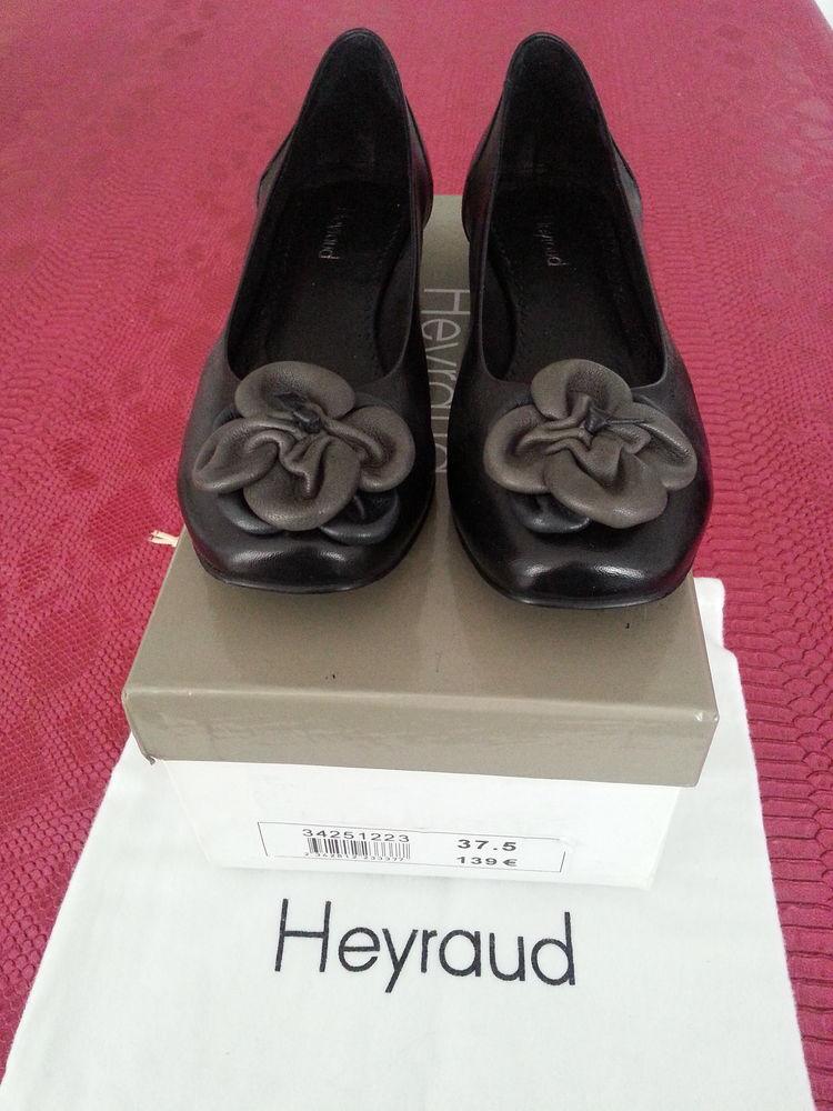 Chaussures noires HEYRAUD pour femme 69 Floirac (33)