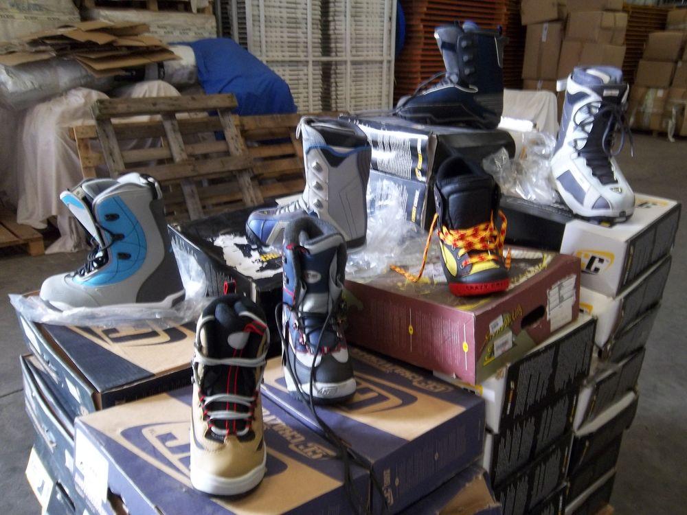 1 lot de chaussures pour SNOWBOARD (46 pièces). 590 Charantonnay (38)