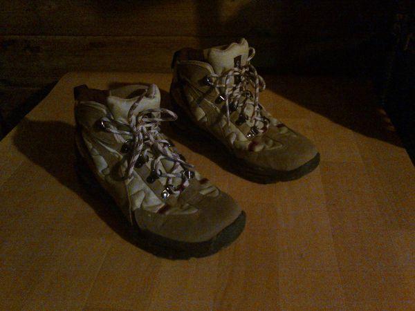 chaussures de randonnée  20 Hinges (62)