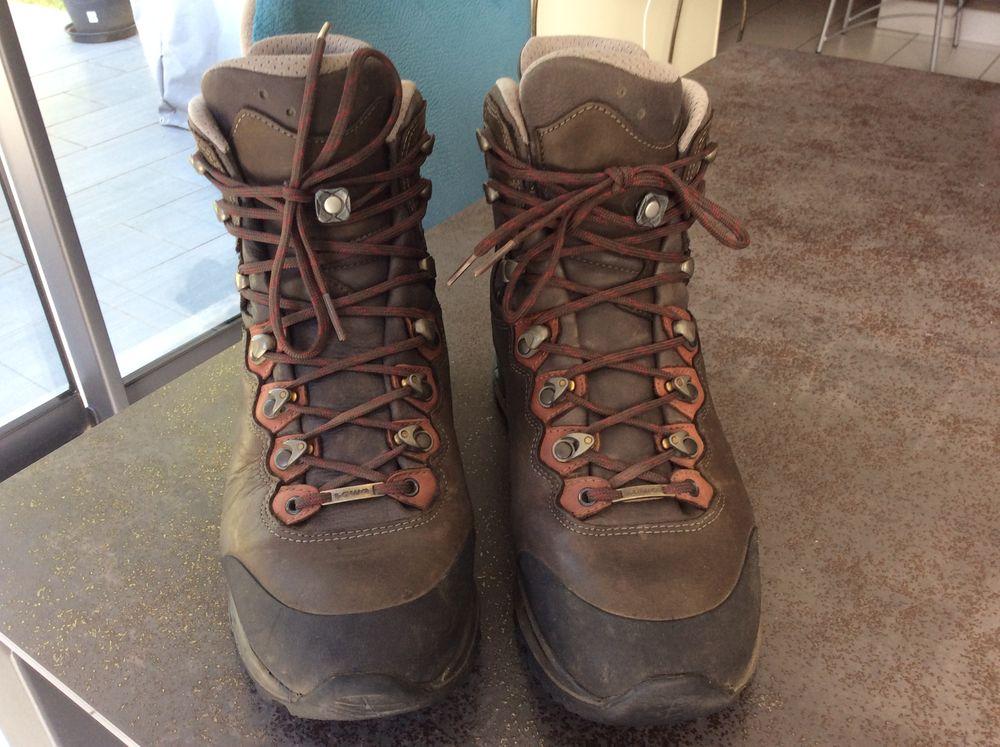 chaussures de randonnées et montagne marque LOWA 120 Vertou (44)