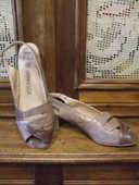 Chaussures été / mi saison, pour dame. P 39. 15 Sablet (84)