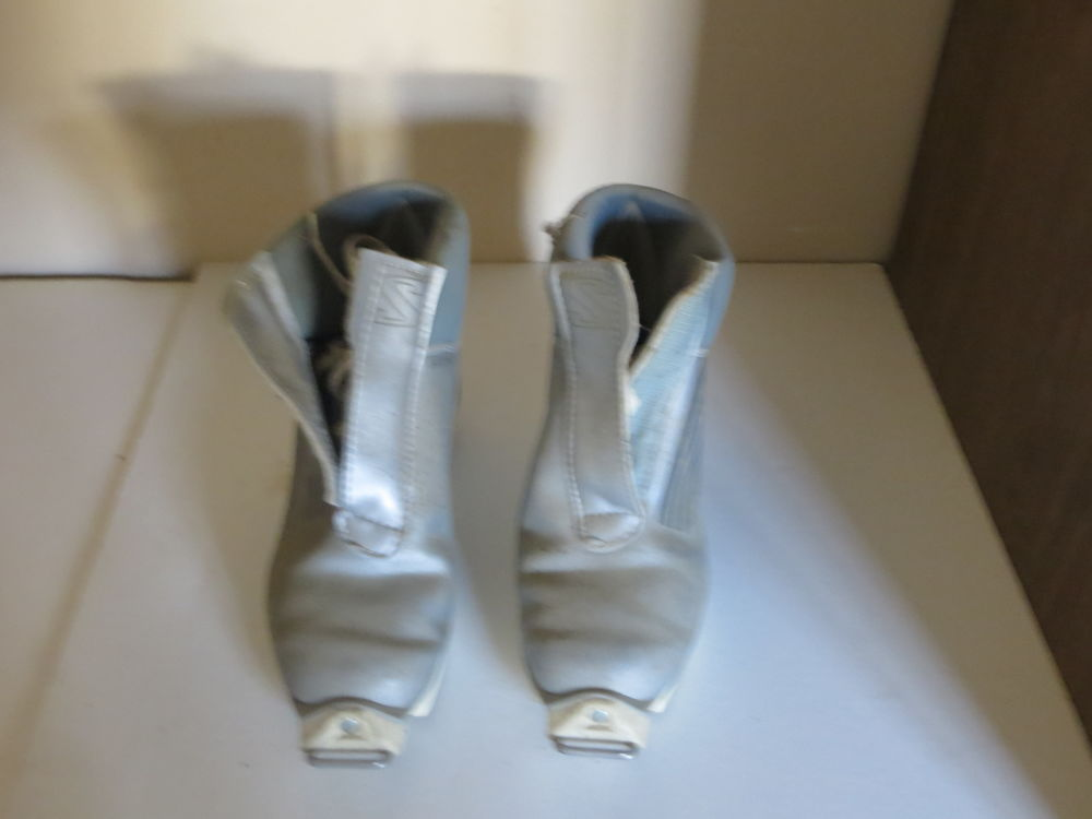 Chaussures SALOMON ; 50 Joigny (89)