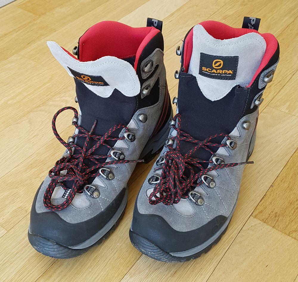 Chaussures SCARPA de randonnée. 30 Houilles (78)