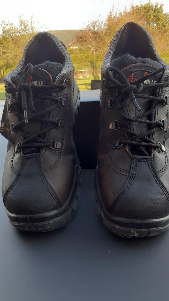 Chaussures de sécurité  30 Roche-lez-Beaupré (25)