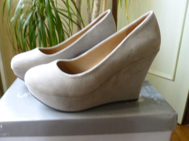 Chaussures semelles compensées 10 Saint-Romain-d'Ay (07)