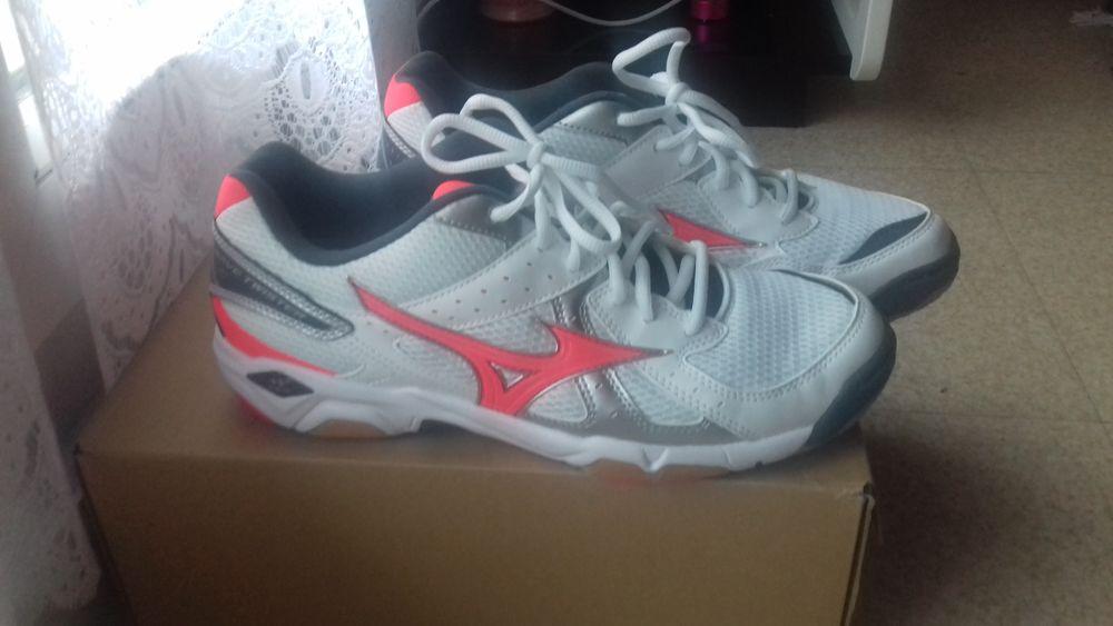 Chaussures de sport en salle femme taille 41 40 Brest (29)