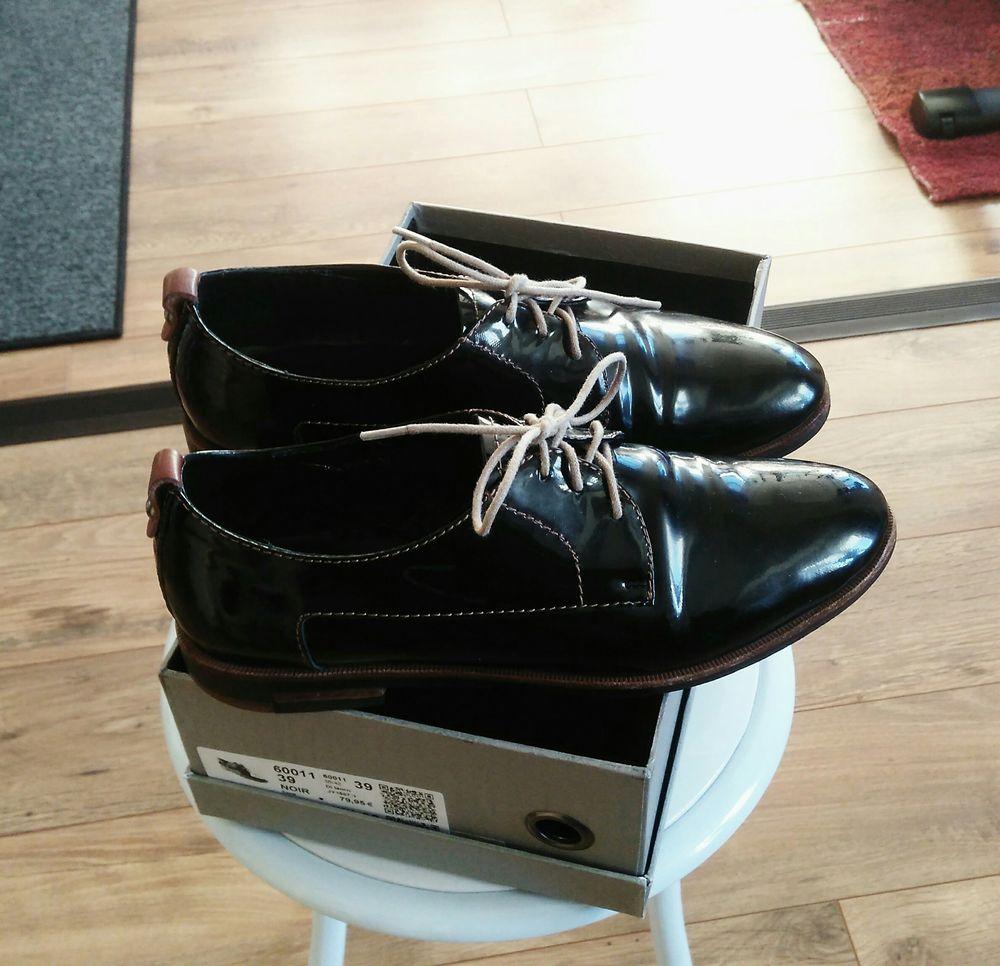 Chaussures vernies noires  33 Équemauville (14)