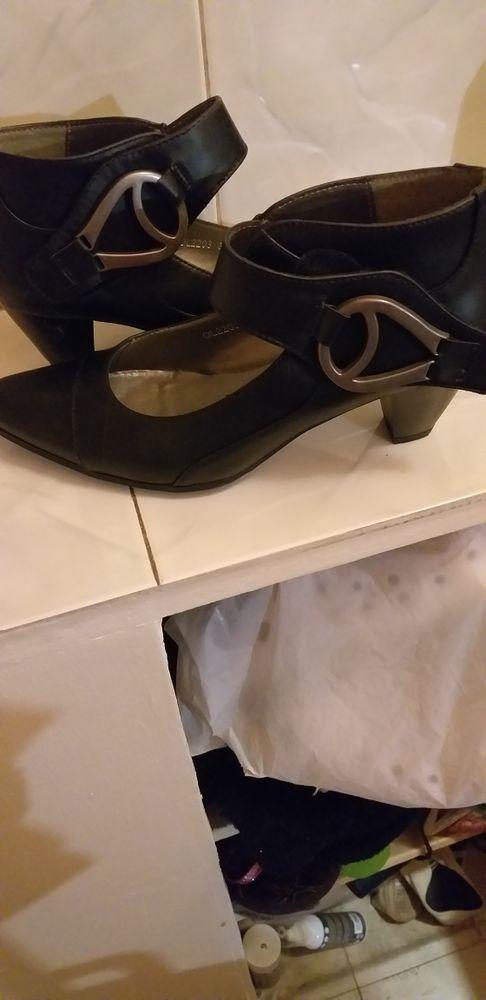 chaussures 25 Épinay-sur-Seine (93)