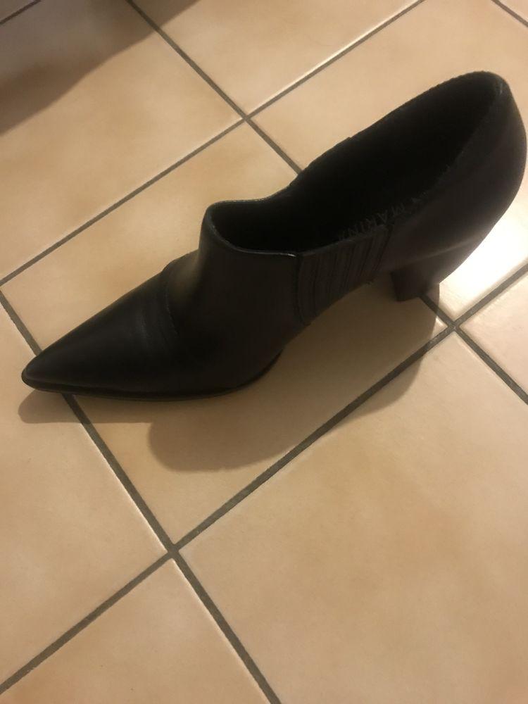 Chaussures 15 Mandelieu-la-Napoule (06)