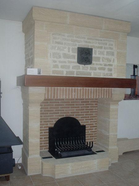 Achetez chemin e en pierre occasion annonce vente for Pierre refractaire pour cheminee