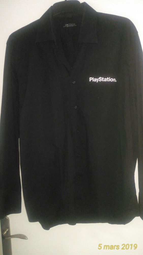 Chemise homme noire  avec inscription Playstation 5 Wardrecques (62)