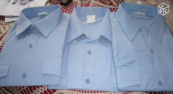 3 chemisettes bleues neuves T41/42 24 Versailles (78)