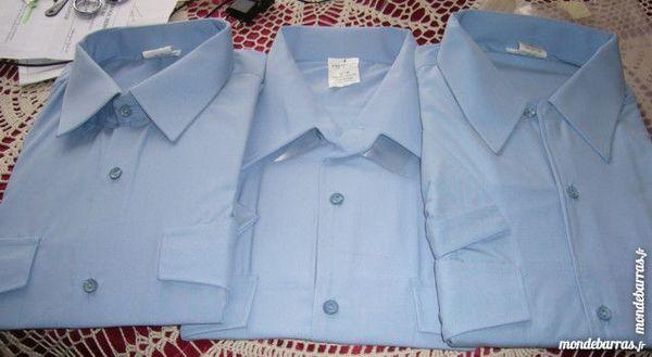3 chemisettes homme bleues neuves T 41/42 24 Versailles (78)