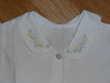 chemisier blanc avec petites fleurs sur le col Vêtements enfants