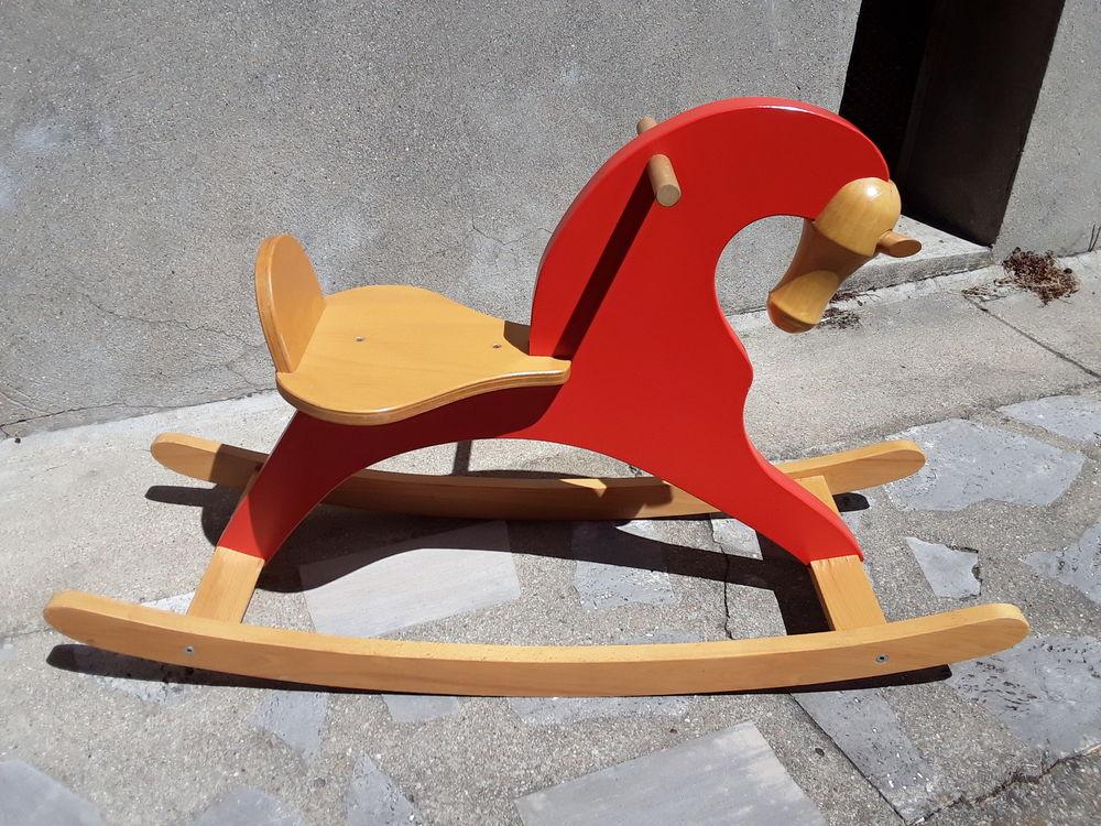 Cheval à bascule en bois 25 Clamart (92)