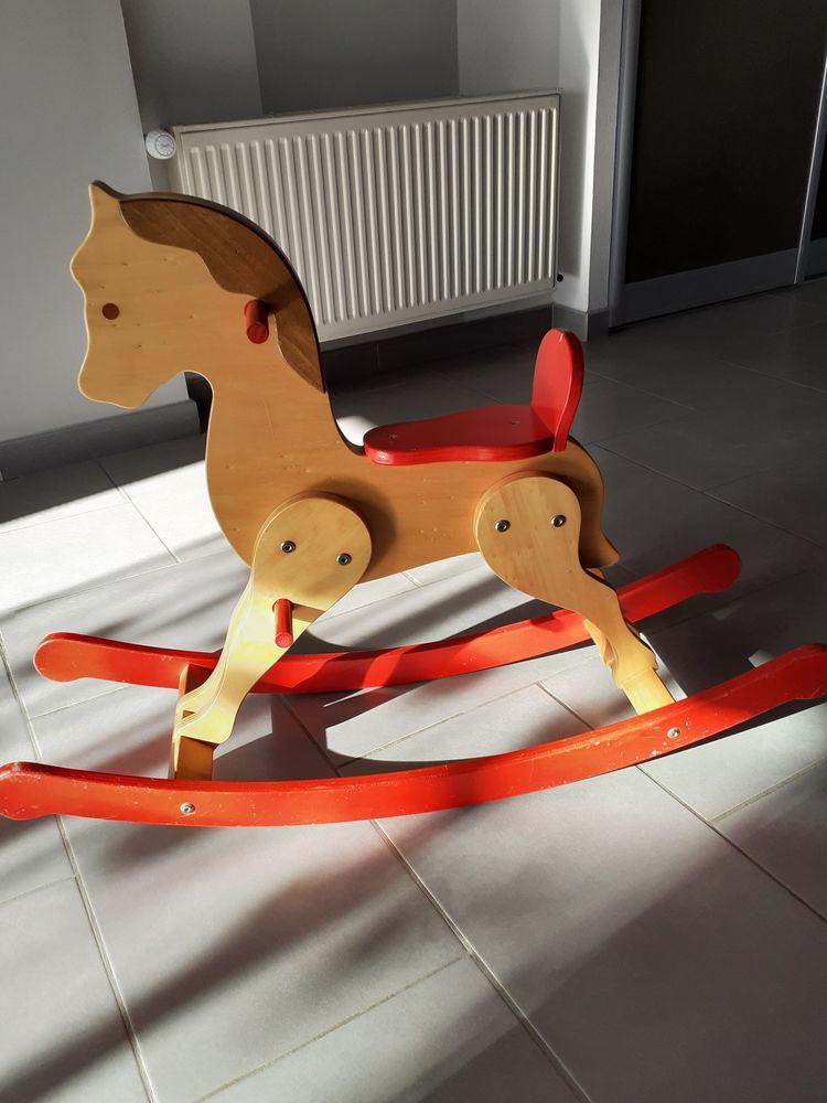 Cheval à bascule enfant 12 Segré (49)