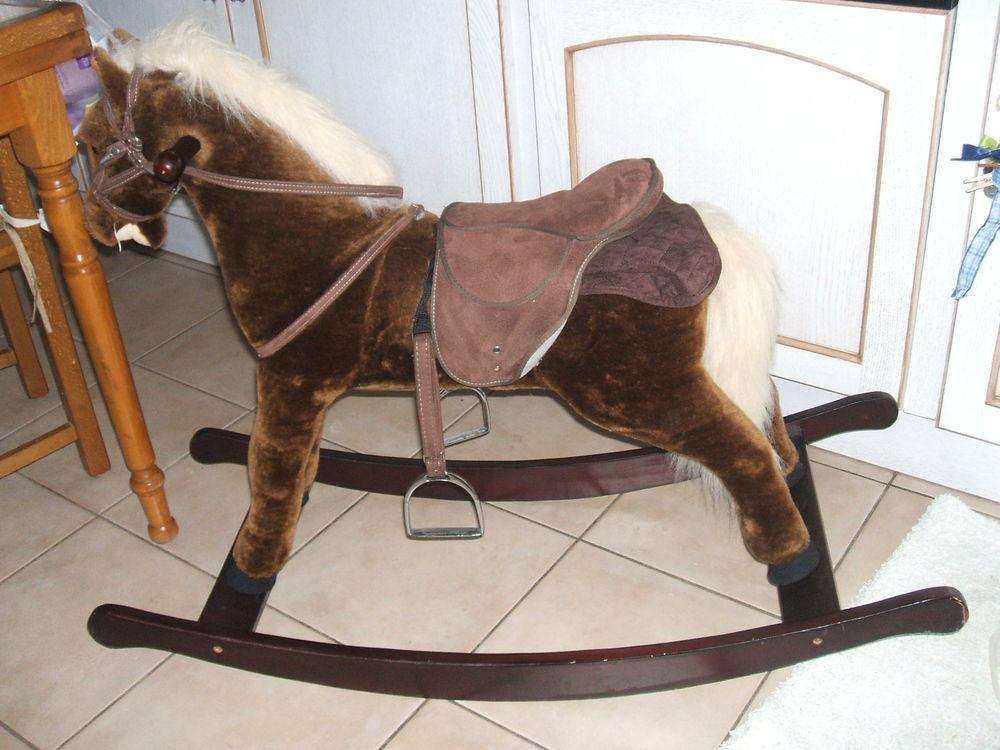 Achetez cheval à bascule v. occasion, annonce