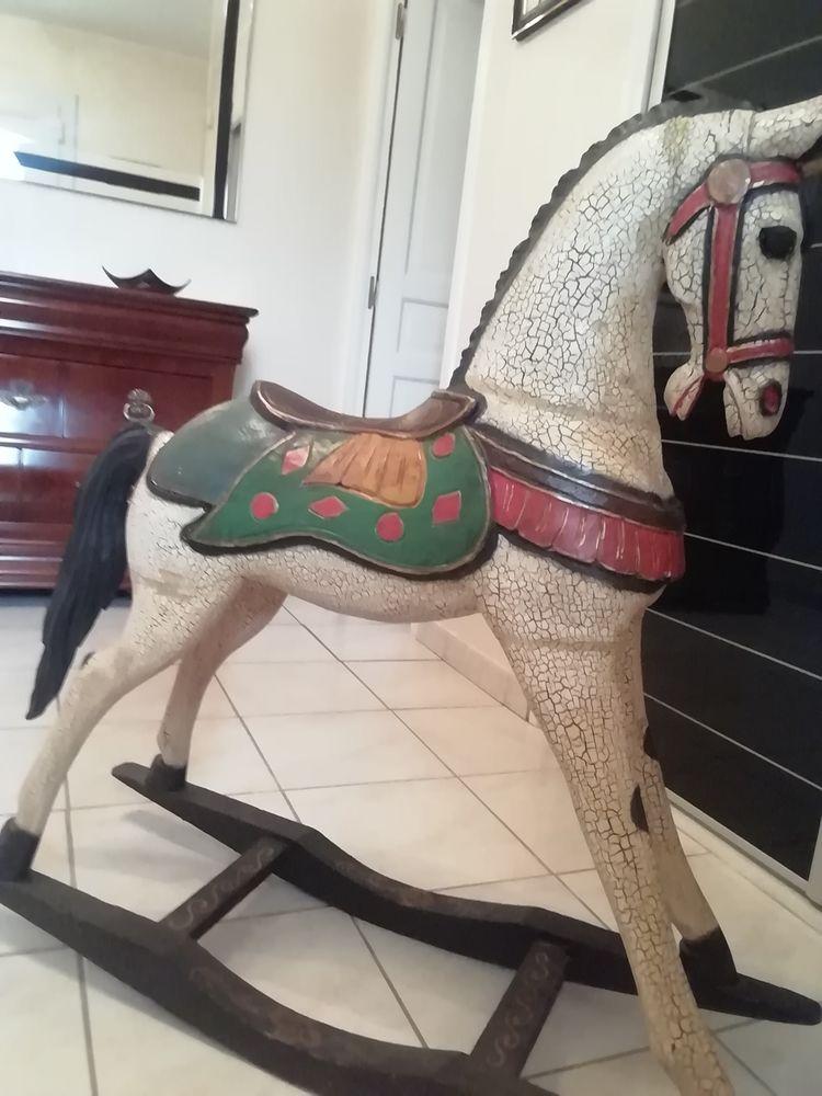 cheval a bascule  280 Béziers (34)
