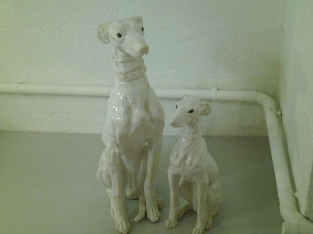 chiens en porcelaine 1 hauteur 53 cm 1 hauteur  70 cm 40 Verneuil-sur-Avre (27)
