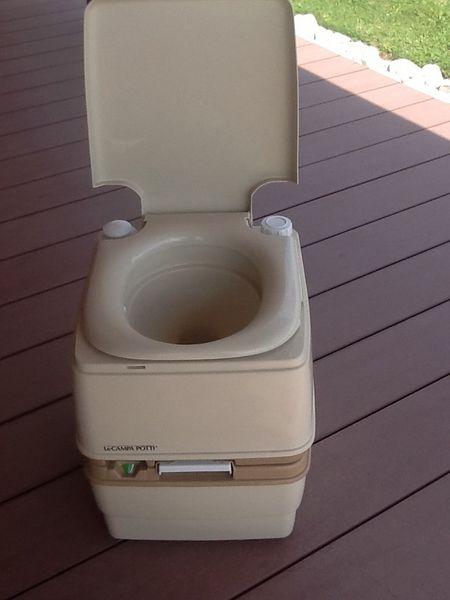 toilette chimique campa potti xg. Black Bedroom Furniture Sets. Home Design Ideas