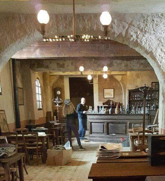 Bar de cinéma 350 Arles (13)