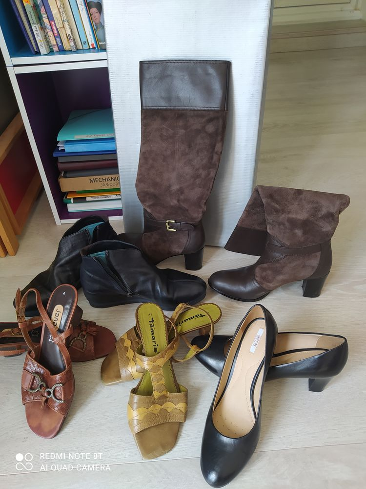 cinq paires de chaussures très bon état 150 La Crau (83)