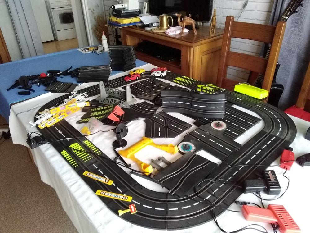 circuit (( 24 )) avec 4 voitures et de deux et quatre pistes 10 Le Havre (76)