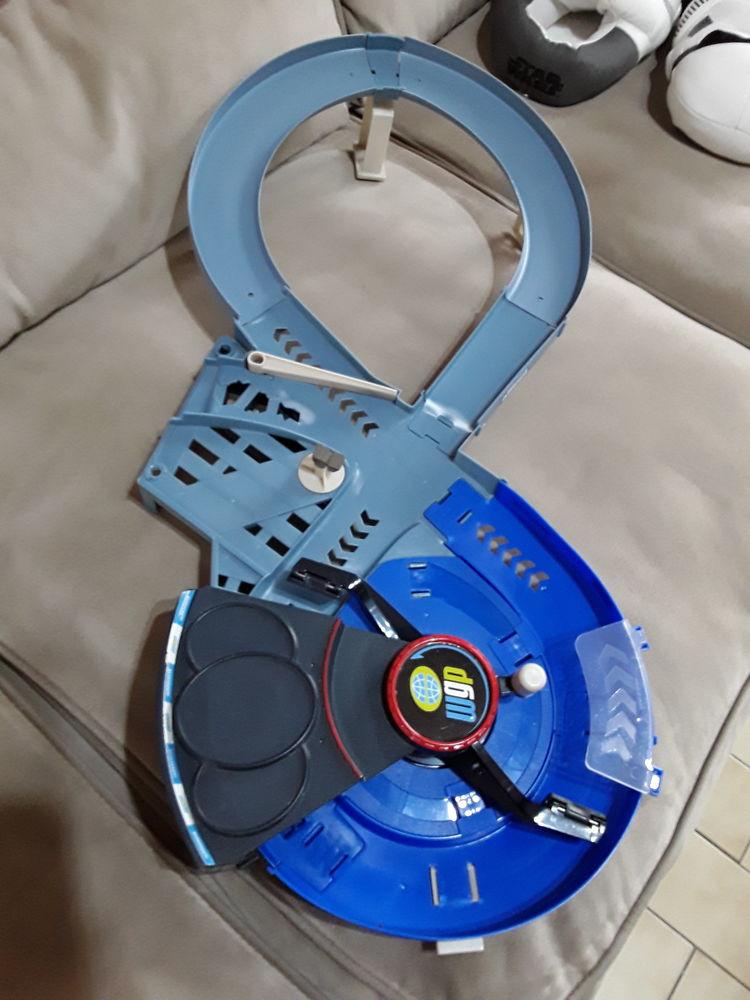 Circuit CARS sans voiture  Très bon état Jeux / jouets