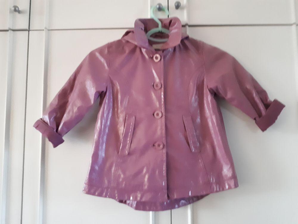 Ciré rose avec capuche  - 4 ans  - TBE 10 Villemomble (93)