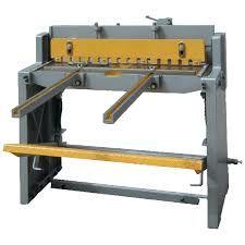 cisaille guillotine manuelle largeur coupe 2 mètres 1 Saint-Hilaire-en-Lignières (18)