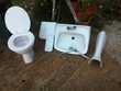 WC et cistern, tres prope