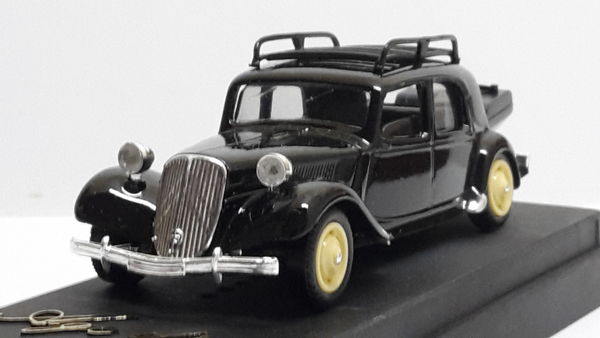 Citroën 15 cv gazogène avec galerie 18 Follainville-Dennemont (78)