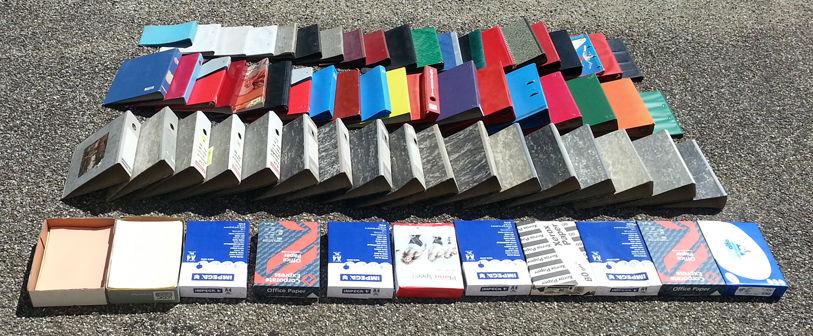 58 classeurs, poches plastique, papier divers, t b état 0 Saint-Clair-sur-Galaure (38)