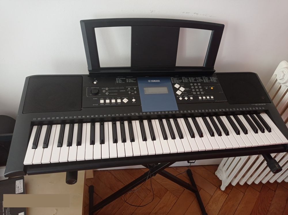 Clavier arrangeur PSR-E333 - YAMAHA 120 Bordeaux (33)