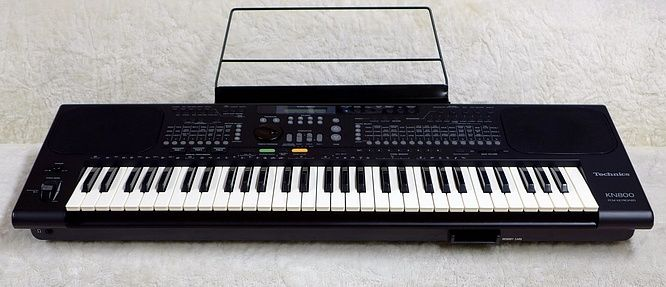 KN-800, Clavier arrangeur de la marque Technics. 150 Fréjus (83)