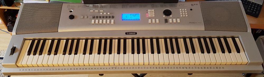 clavier arrangeur MIDI YAMAHA DGX-220 6 octaves 170 Évry (91)