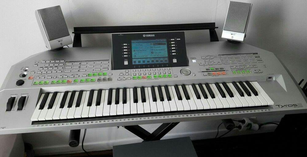 Clavier-arrangeur Professionnel TYROS YAMAHA 950 Viroflay (78)