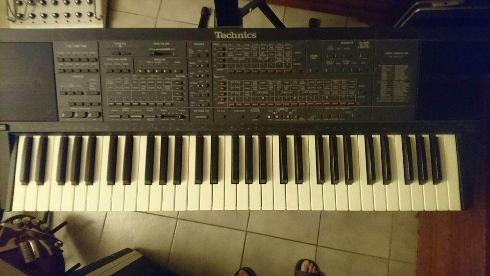 Clavier arrangeur TECHNICS KN-700  100 Le Pontet (84)