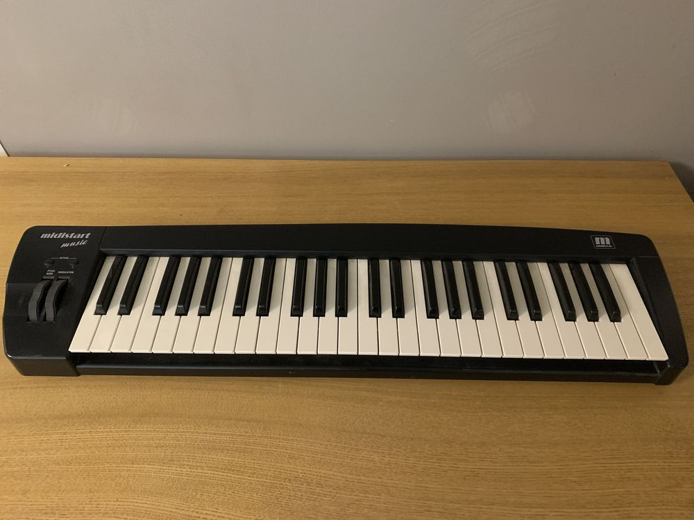 Clavier maître MIDI 49 touches - Miditech Midistart music 55 Paris (75)