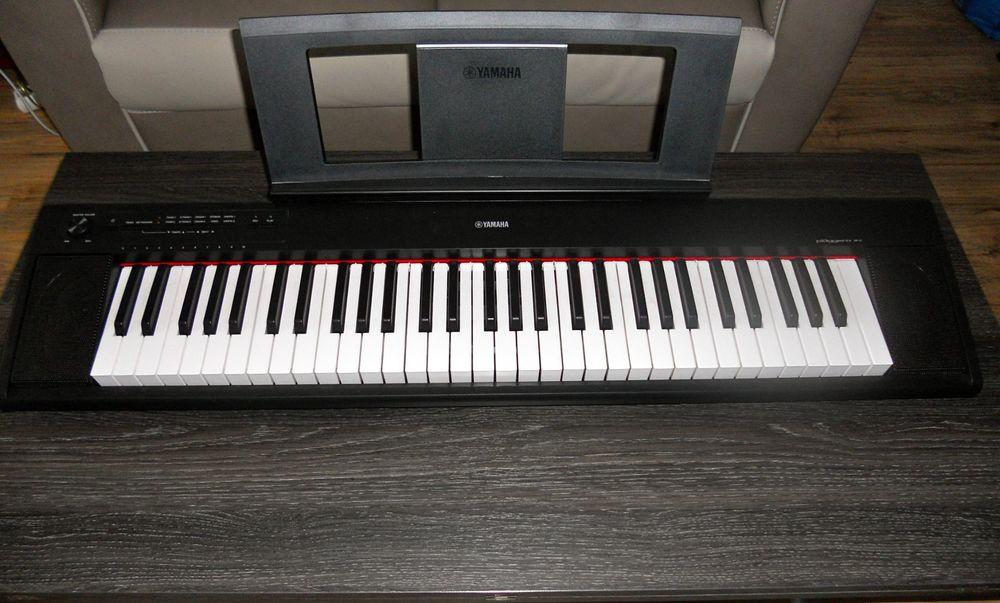 claviers occasion l 39 isle adam 95 annonces achat et vente de claviers paruvendu mondebarras. Black Bedroom Furniture Sets. Home Design Ideas