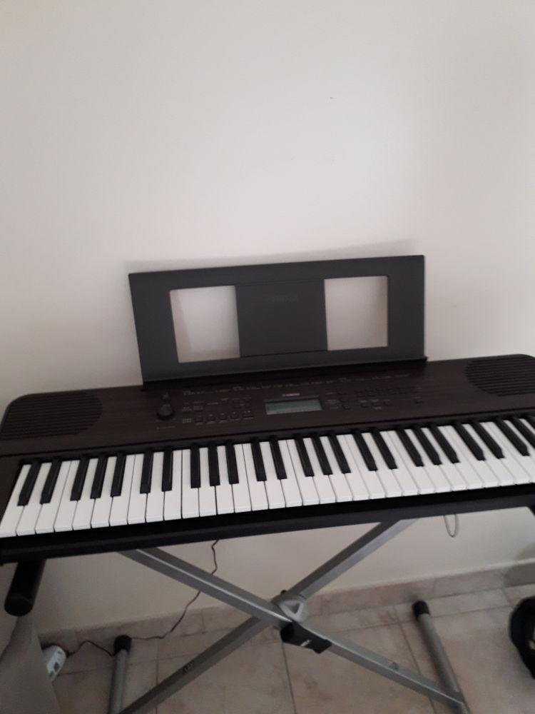 Clavier yamaha  190 Limetz-Villez (78)