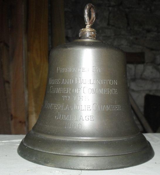 Cloche unique de commémoration 220 Sainte-Soulle (17)