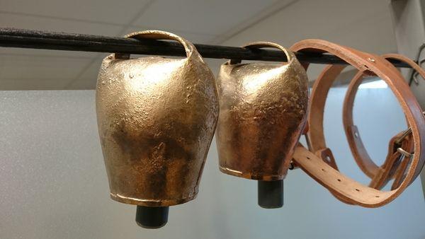 cloches neuves pour vaches , brebis,chevres,chevaux ,collier 10 Le Fossat (09)