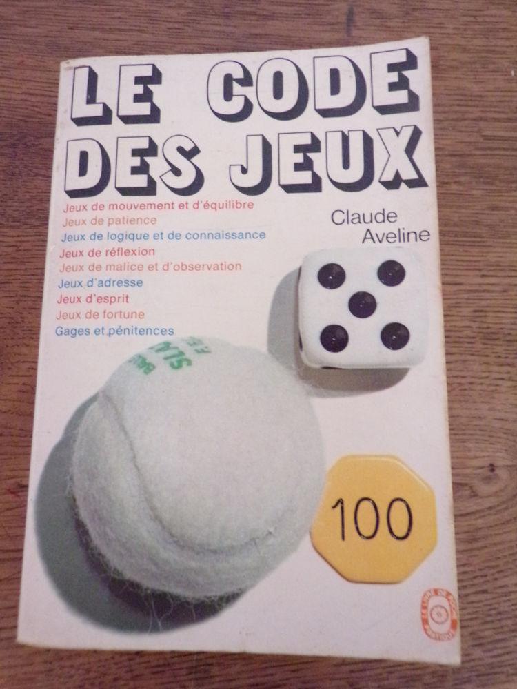 Le code des jeux par Claude Aveline Hachette éditions 1974  5 Laval (53)