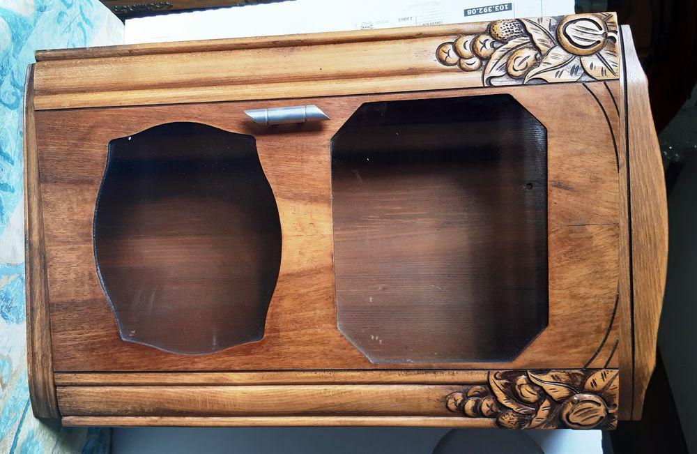 Coffre à horloge mécanique en bois  49 Ozoir-la-Ferrière (77)