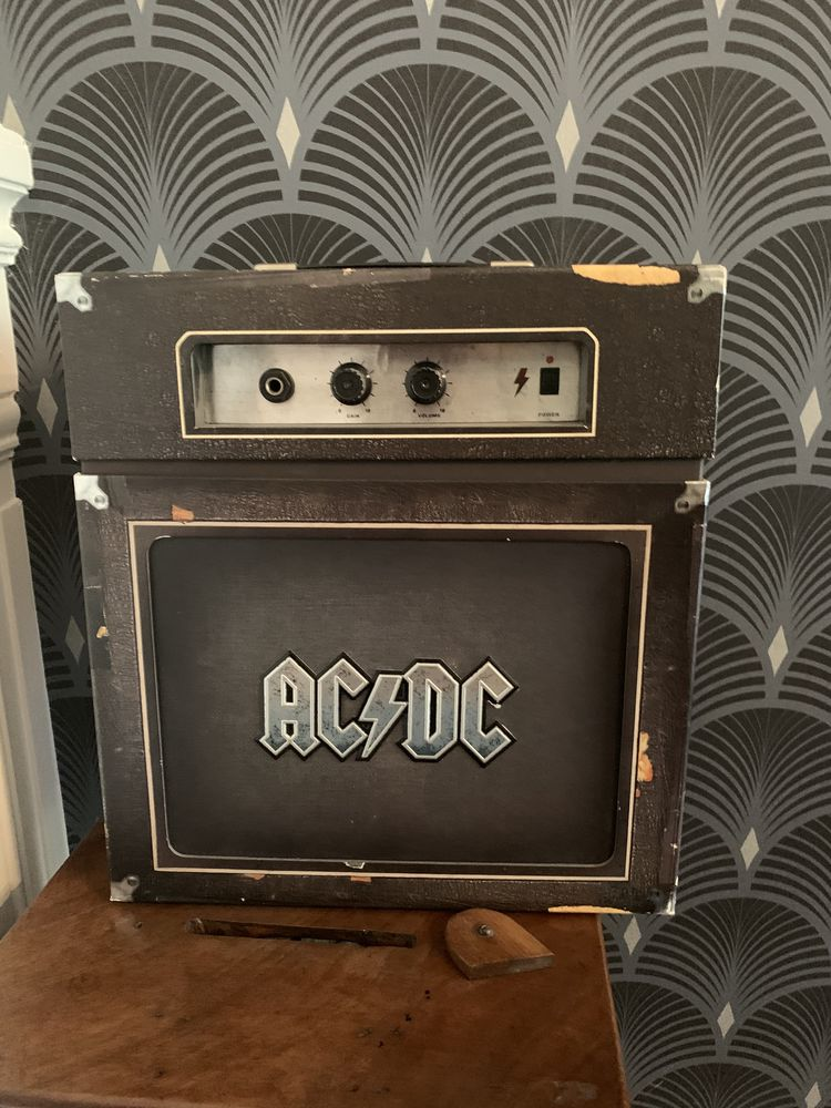 Coffret AC/DC Backtracks deluxe CD et vinyles