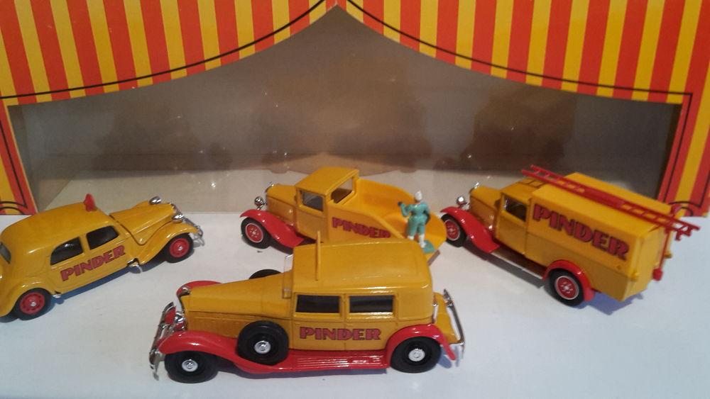 Coffret  cirque PINDER - série 950 80 Follainville-Dennemont (78)