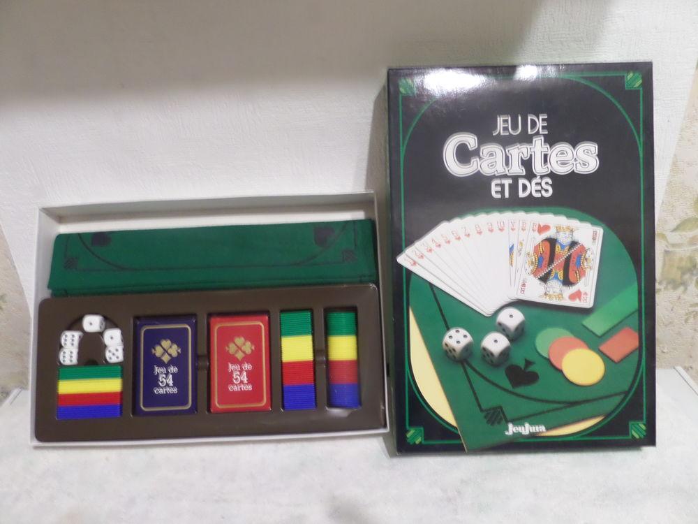 coffret de jeux de cartes 10 Lyon 8 (69)