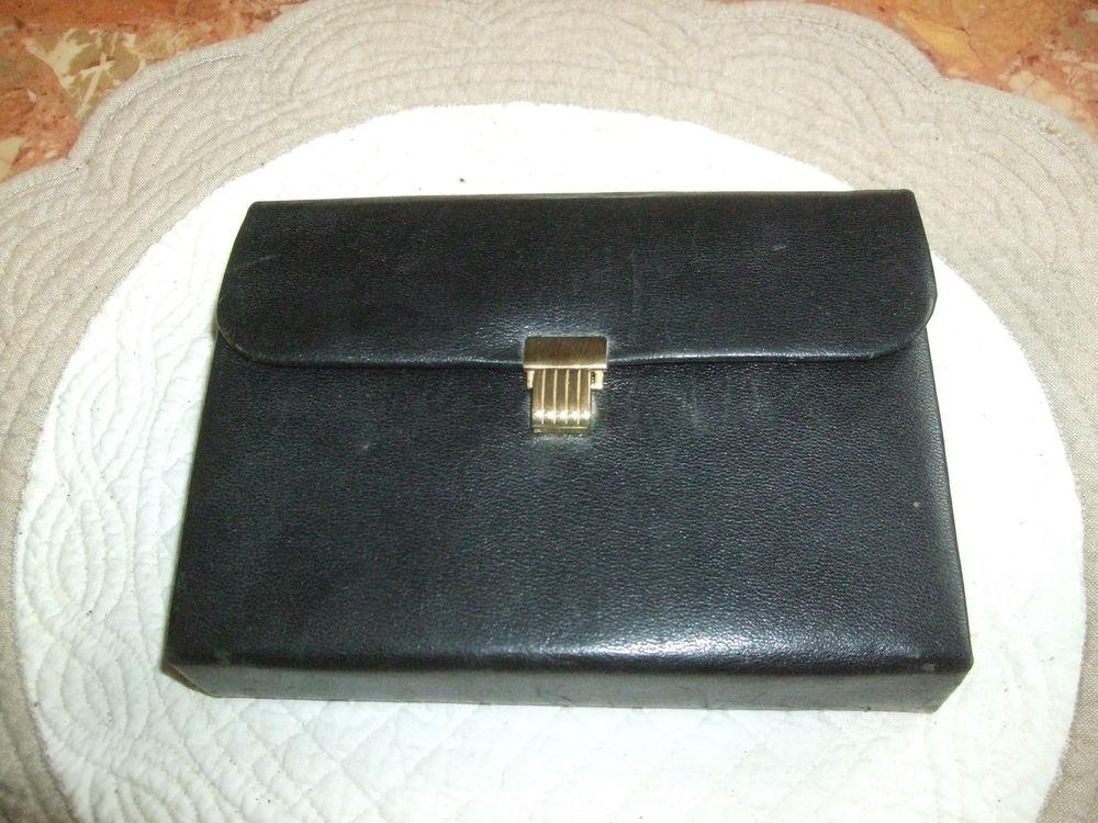 Coffret à manucure '' Vintage '', noir. 25 Sablet (84)